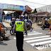 Satlantas Polres Sukabumi Bangun Zebra Cross, Rambu Lalin dan Marka Jalan di Kampung Tertib Lalu Lintas Parungkuda