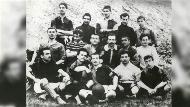 Türkiye'deki ilk futbol takımı hangisidir?