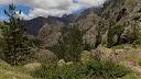 Dans le haut de la descente du ravin de Lasocella avec le Monte Saltare en face