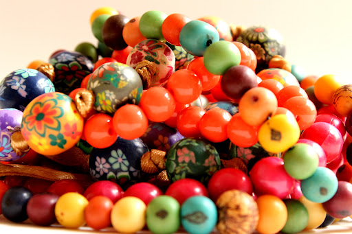 colares - bolas coloridas, necklaces-colored balls, collane colorate palle, collares de color bolas