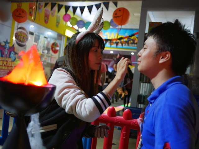 Halloween face painting the City Hero video arcade in Shaoguan