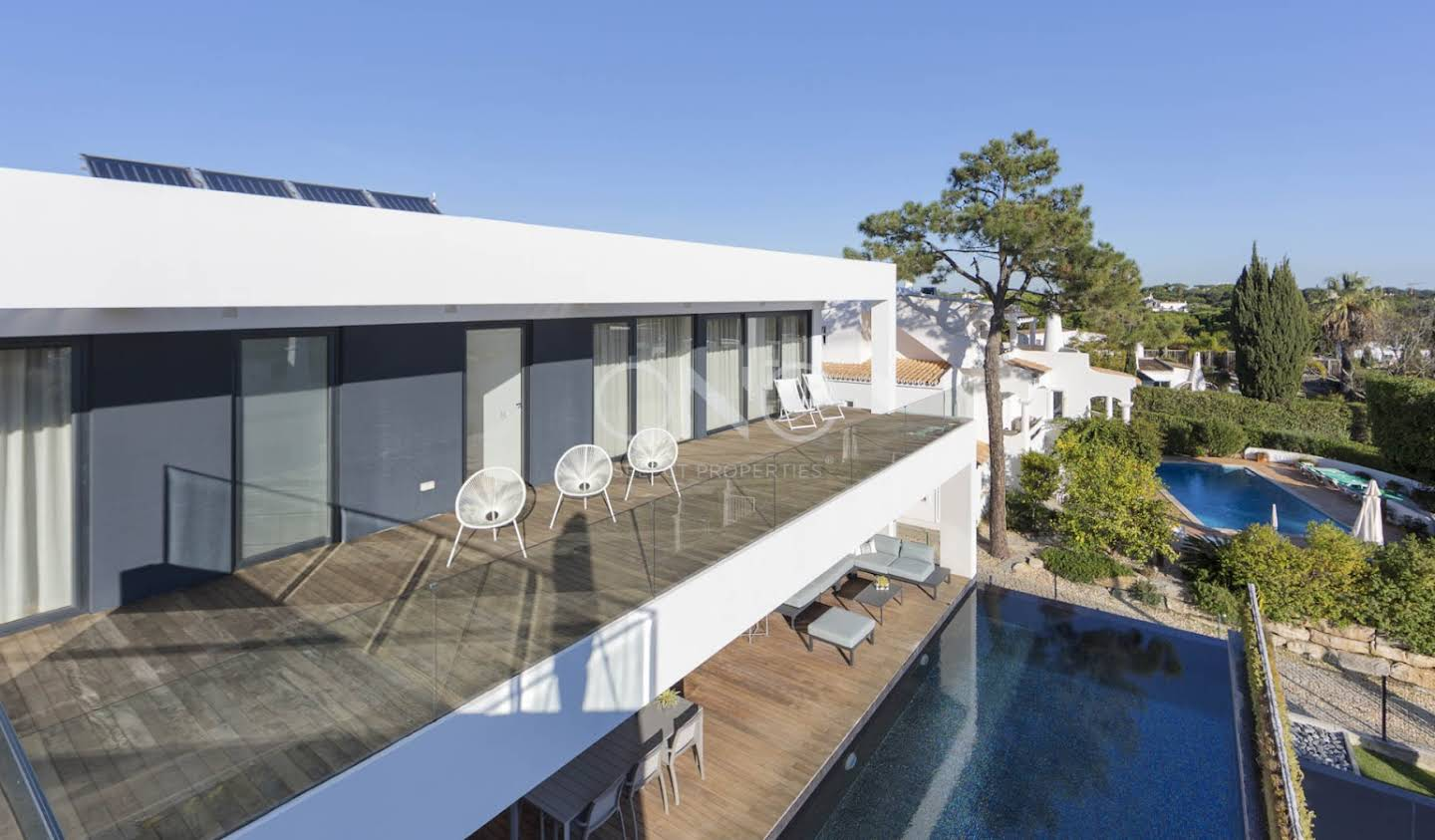 Seaside contemporary house with pool Almancil
