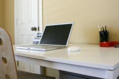 escritorio ordenado como escribir una novela de fantasia fantasica como conseguir una rutina para escribir