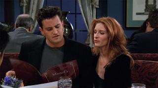 Julia Roberts pediu artigo de física quântica a Mathew Perry para fazer 'Friends'