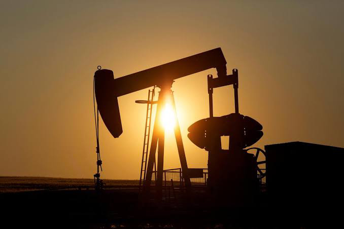 Oil prices rise more than $1 a week after a viral outbreak of turmoil.