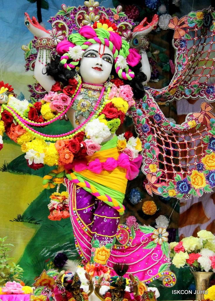ISKCON Juhu Sringar Deity Darshan on 29th Sep 2016 (51)