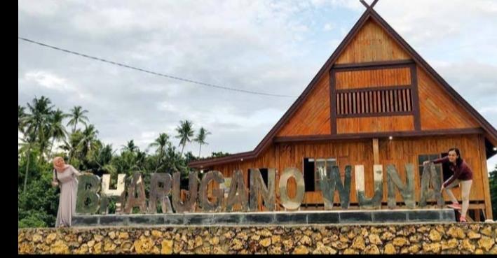 Fasilitas Pemerintah Gedung Barugano Wuna  Dijadikan Posko Kemenangan L.M Rusaman Emba dan Bahrun Labuta