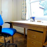 Room 06-desk