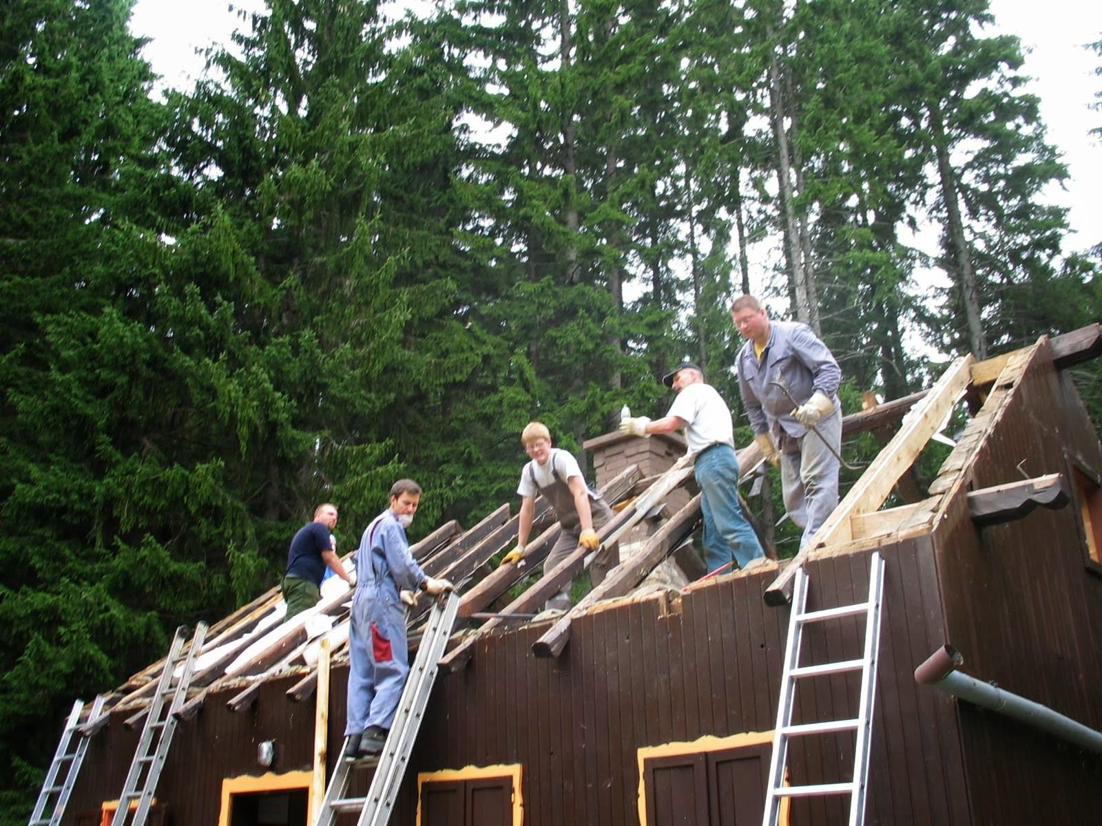 Delovna akcija - Streha, Črni dol 2006 - streha%2B122.jpg