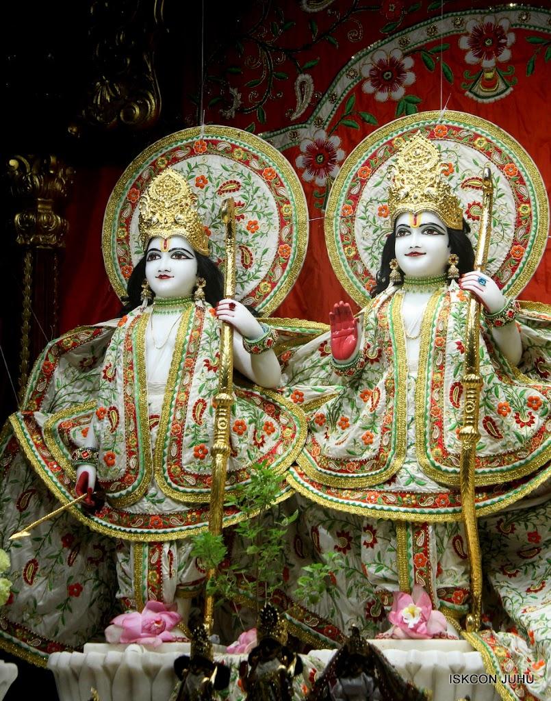 ISKCON Juhu Mangal Deity Darshan on 28th June 2016 (2)