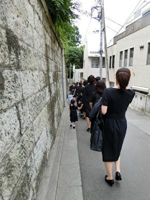 お受験ワンピーススーツ 濃紺 東京 私立カトリック系 見学会