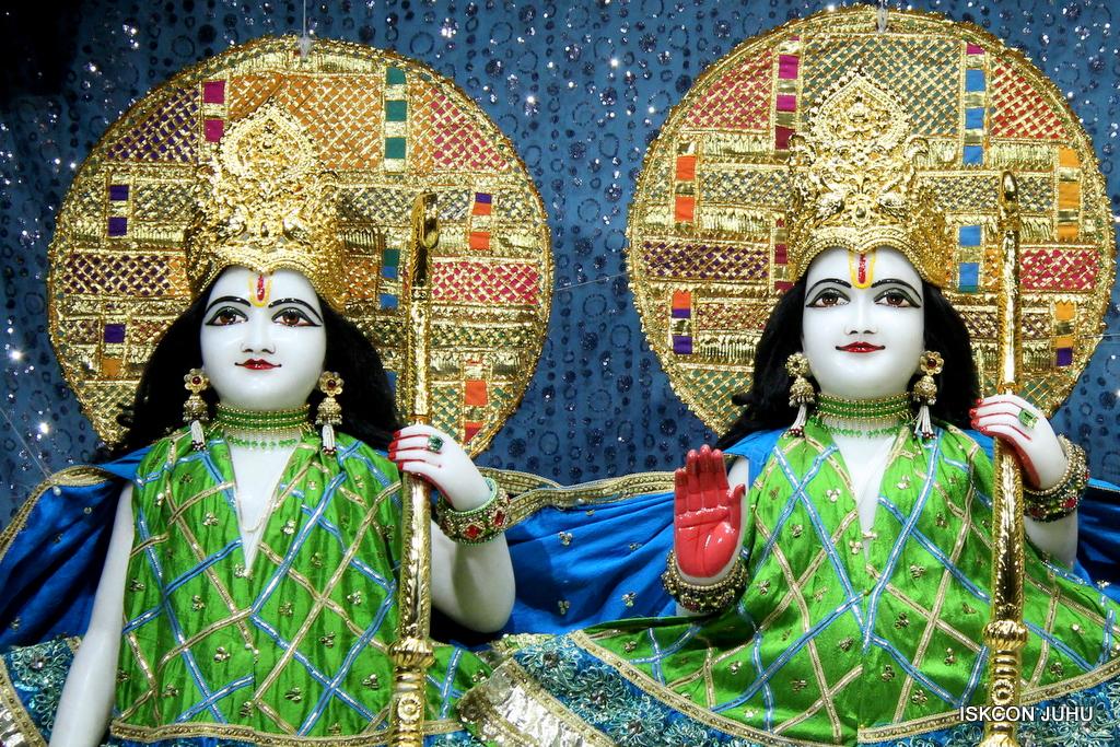 ISKCON Juhu Mangal Deity Darshan on 5th Sep 2016 (14)