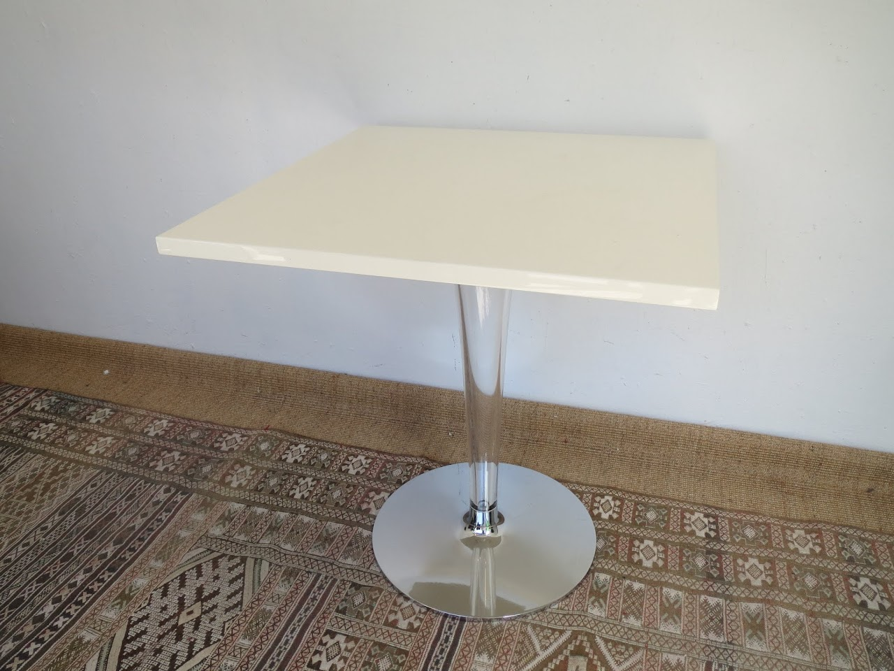Acrylic Pedestal Table
