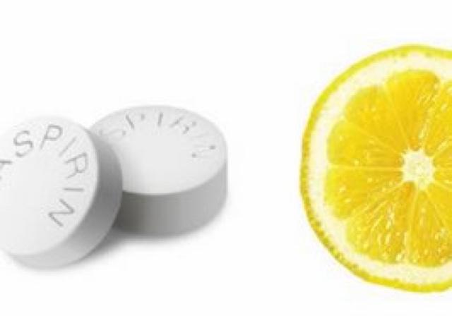 Siyah Noktalar İçin Aspirin MAskesi