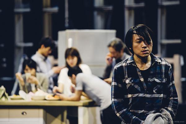 動見体劇團的《病號》舞台劇。