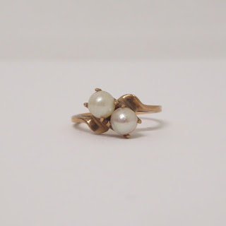 10K Gold & Pearl Ring