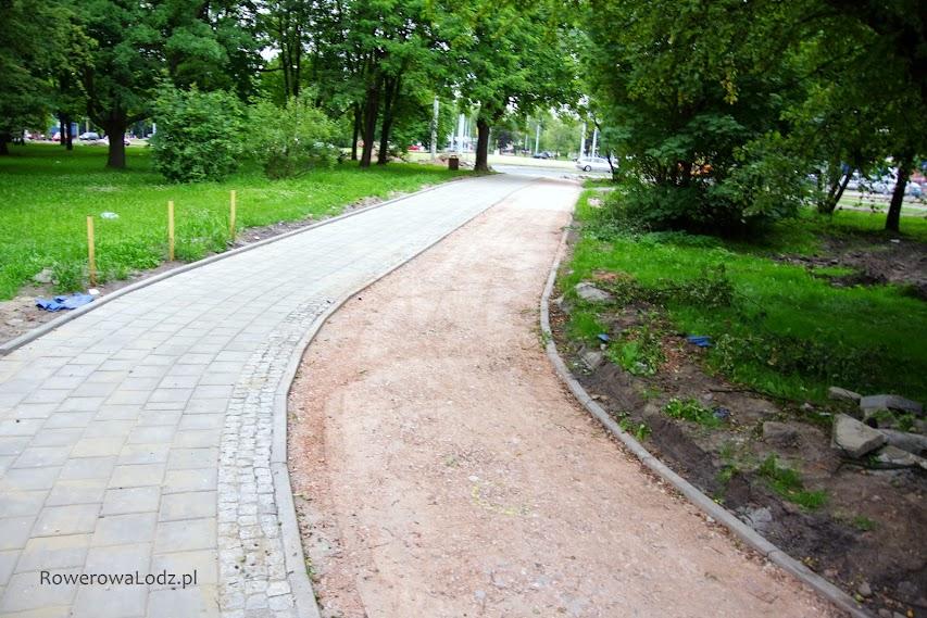 Wjazd w park Sielanka od strony ronda.