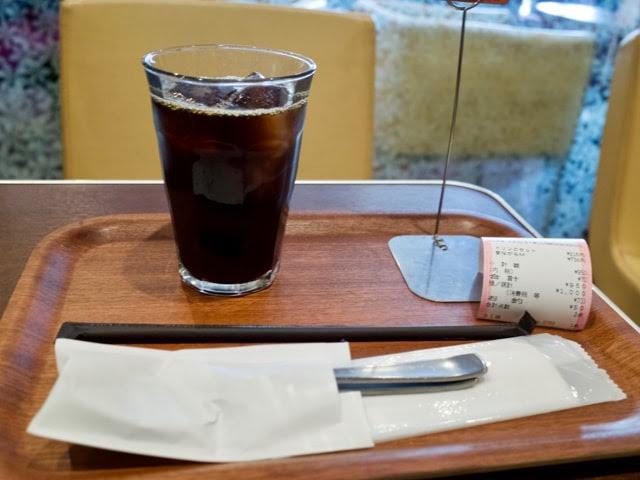 アイスコーヒーとナポリタン待ちの札