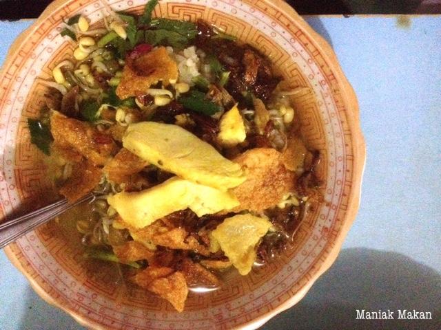 maniak-makan-jalanjalan-kulineran-soto-paktimbul-jalan-honggowongso-solo