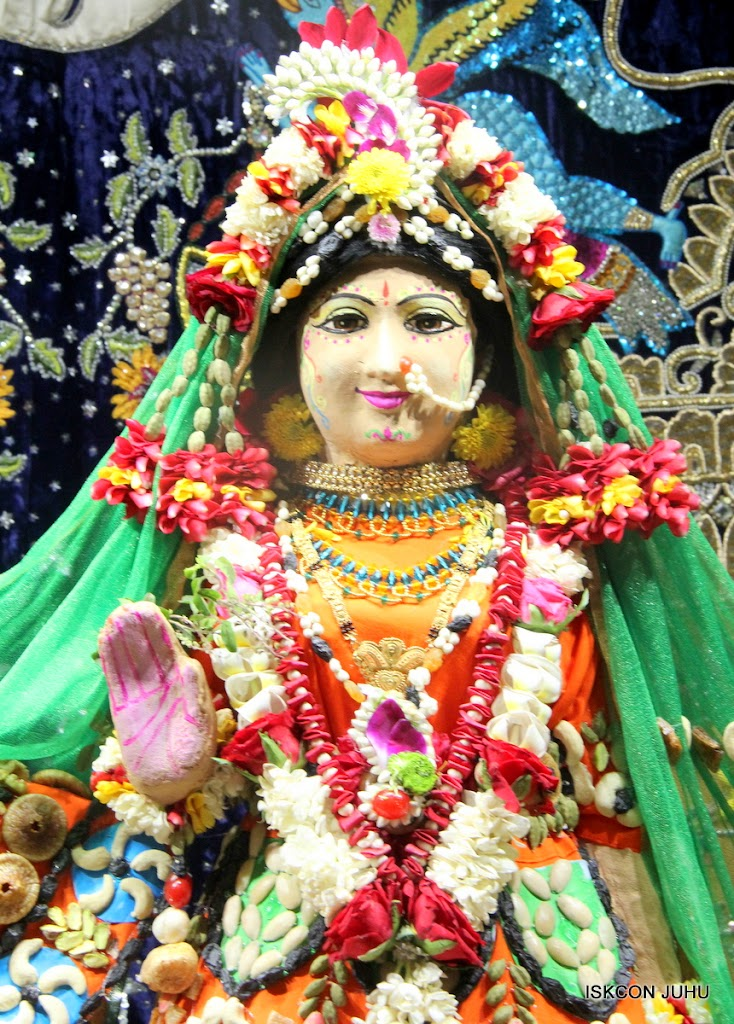 ISKCON Juhu Chandan yatara Deity Darshan on 9th May 2016 (17)