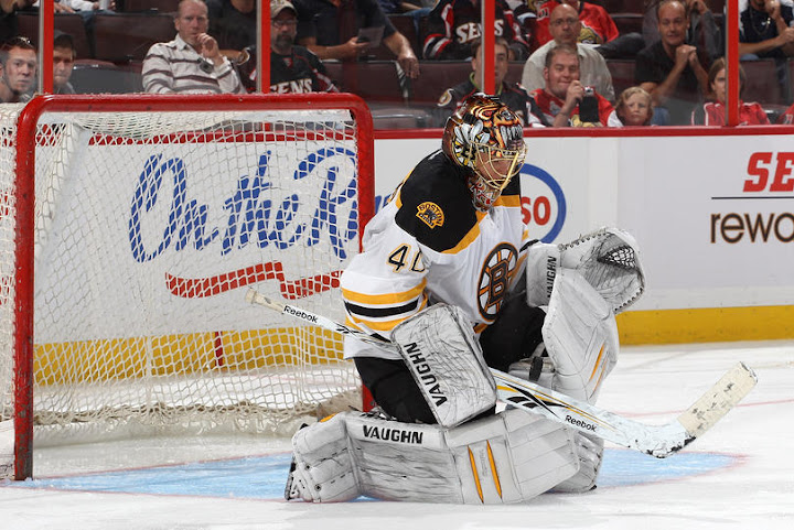 Tuukka Rask preseason save