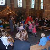 Kindje wiegen St. Agathakerk 2013 - PC251143.JPG