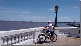 pedalando-em-colonia-del-sacramento-1