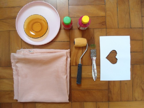 customização - almofada de coração - materiais necessários