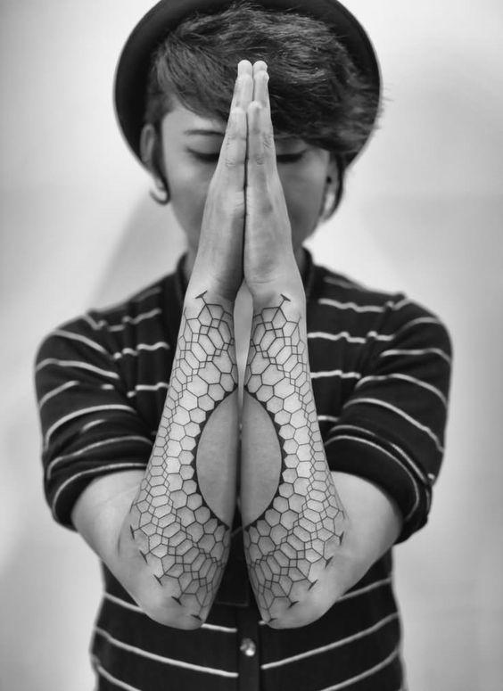 conexo_padro_geomtrico_antebraço_tatuagens