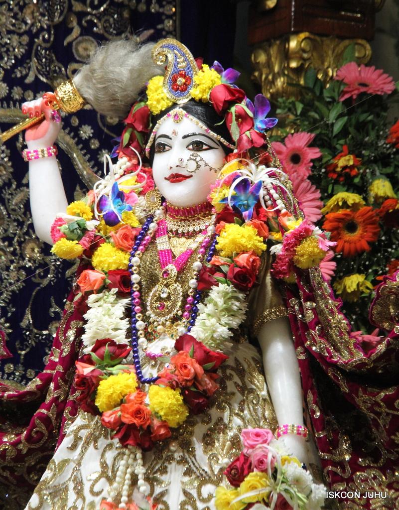 ISKCON Juhu Sringar Deity Darshan on 11th Sep 2016 (14)