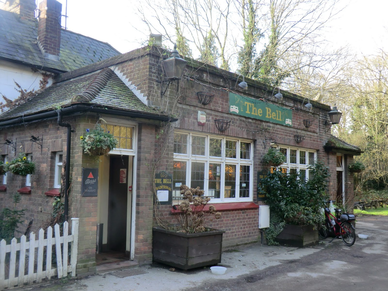 CIMG2224 The Bell pub, Tadworth