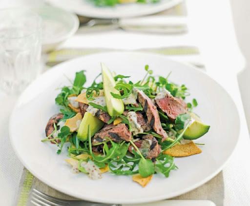 Peppered steak-tortilla salad