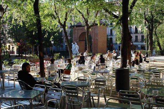 Por la convivencia entre las terrazas y el derecho a disfrutar de la vía pública