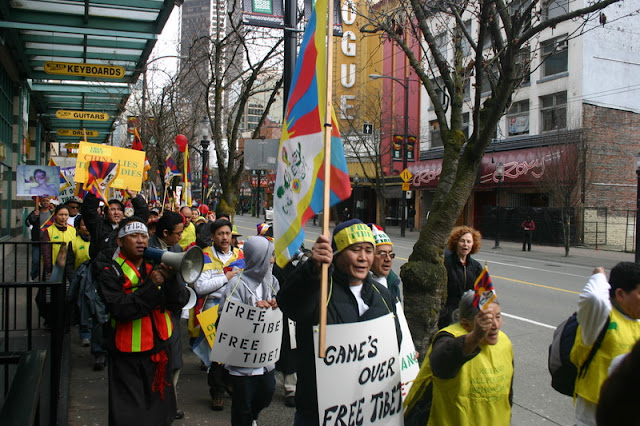 Global Protest in Vancouver BC/photo by Crazy Yak - IMG_0187.JPG