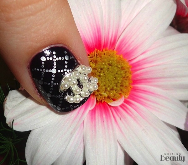 Chanel Inspired Nail Art 3