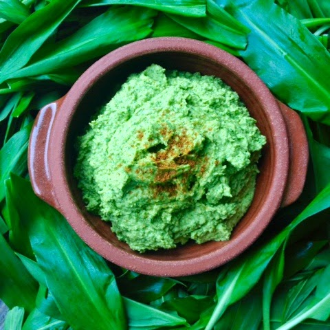 Wild Garlic Hummus Recipe - Foraging, Wild Food