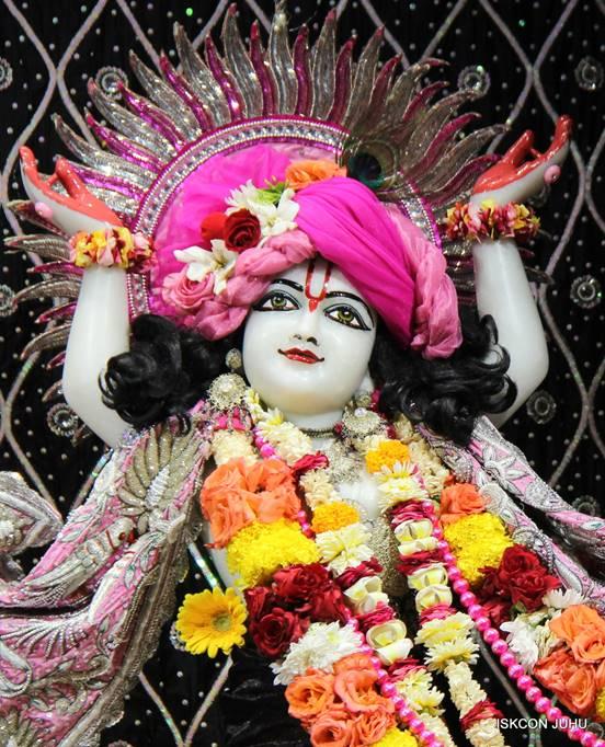 ISKCON Juhu Sringar Deity Darshan 05 Mar 2016 (39)