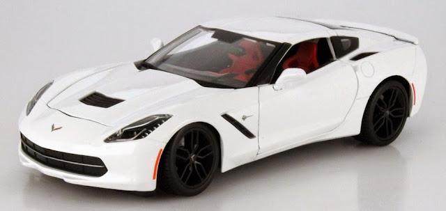 Hình ảnh tinh tế bắt mắt của chiếc Xe Chevrolet Corvette Stingray Z51 2014 Maisto 31677 tỷ lệ 1/18