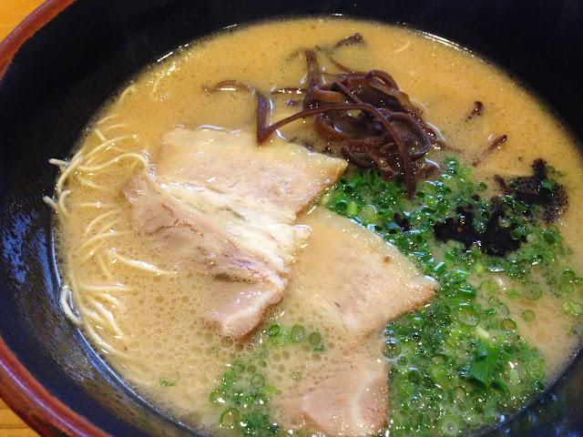 麺匠明石家ラーメンの匠とんこつラーメン-2
