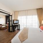 Deevana Plaza Phuket Patong_Deluxe Suite 06.jpg