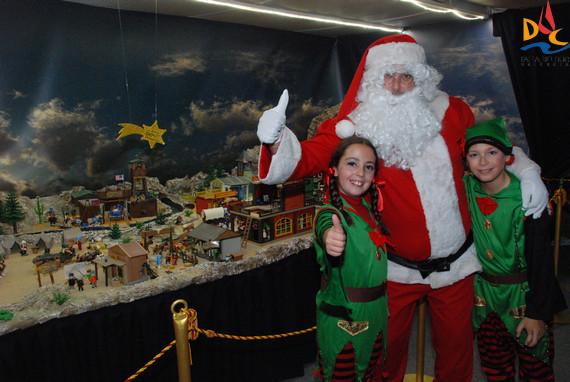 Visita Papa Noel a los Belenes