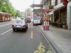 Sur le chemin du travail, avenue Henri-Dunand 1: Comme tous les matins, Furcy rencontre en à peine 100 mètres 3 obstacles sur la bande cyclable.