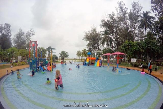 kolam renang budak - budak