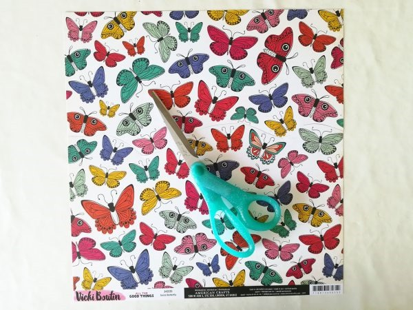 [scrapbook-trend-fussy-cutting-hand-stitching-tutorial-1%5B4%5D]