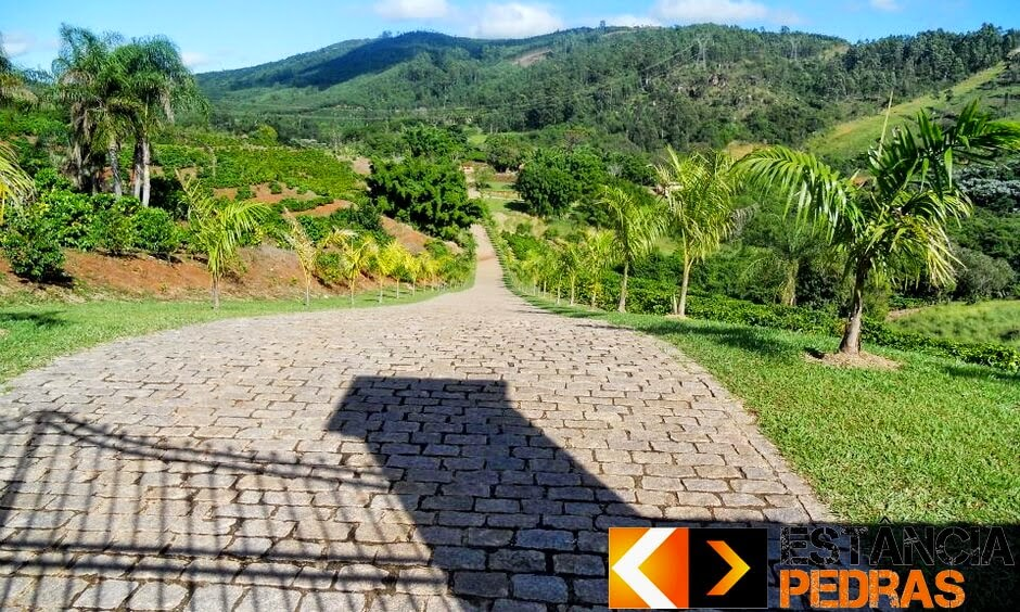 Pavimentação com Paralelepípedo em São Pedro do Iguaçu (região) Feito com Mão de Obra e Pedras da Estância Pedras