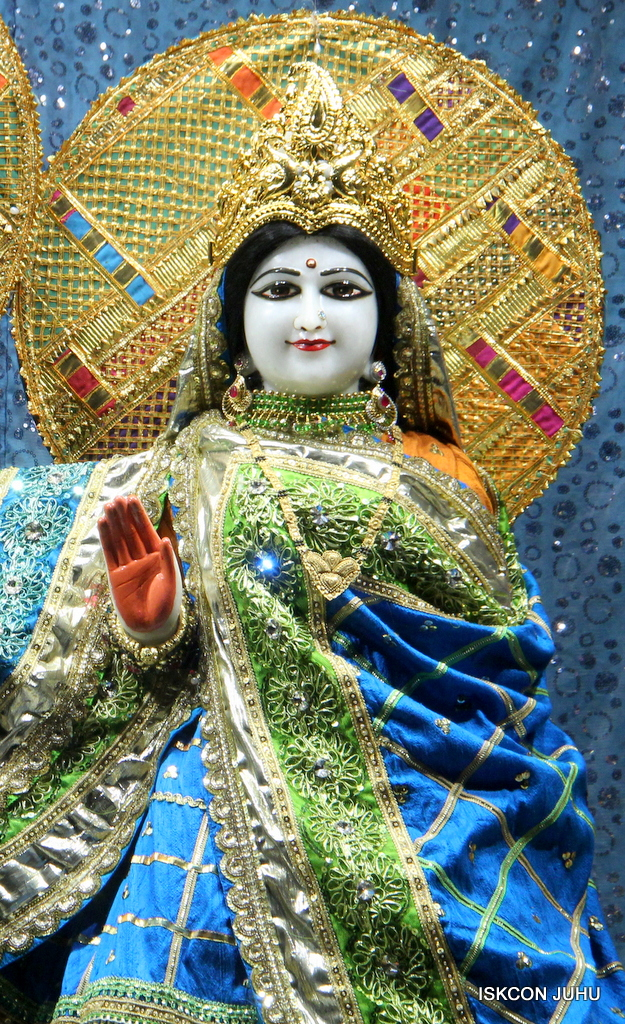 ISKCON Juhu Mangal Deity Darshan on 5th Sep 2016 (24)