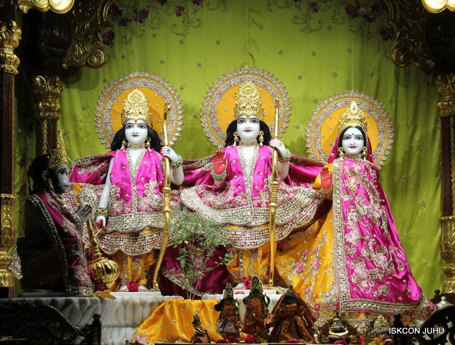 ISKCON Juhu Mangal Deity Darshan 05 Mar 2016 (6)
