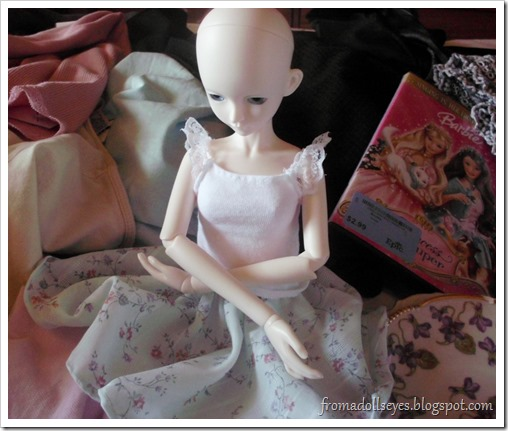 Bjd sitting in thrift store haul
