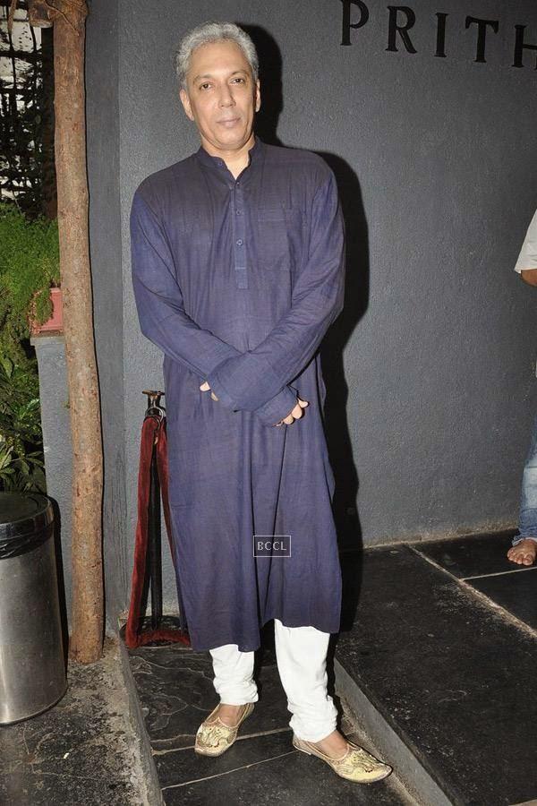 Rahul Vora during the play Tajmahal Ka Udghatan, in Mumbai, on July 24, 2014. (Pic: Viral Bhayani)