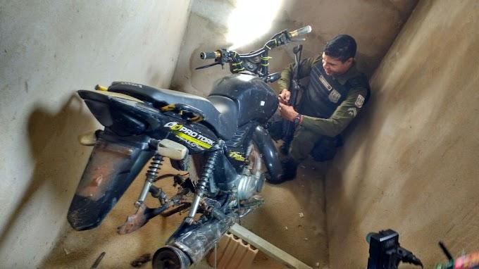 EM ITAITUBA POLICIA MILITAR RECUPEROU MAIS UMA MOTO ABANDONADA